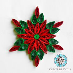 Fulg de zapada model 1 Quilled snowflake The post Fulg de zapada model 1 appeared first on Paper Ideas. Neli Quilling, Quilled Roses, Paper Quilling Cards, Paper Quilling Patterns, Origami And Quilling, Quilled Paper Art, Quilling Paper Craft, Quilling Flowers, Paper Beads