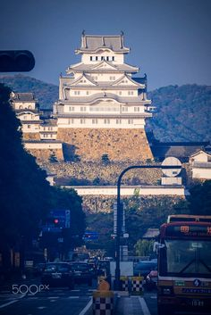 When I was going to leave Himeji city, I found the castle standing around street, the old building around with modern civilization. Himeji Castle, Old Building, Seattle Skyline, Empire State Building, Civilization, Old Things, Street View, World, City
