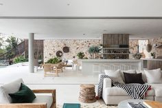 Completed in 2017 in Newport, Australia. Images by Tom Ferguson Photography. The Waterfront Retreat is the epitome of an Australian dream home, adorned with a private beach, garden and open-plan living. Jennifer Hawkins, Timber Wall Panels, Timber Walls, Indoor Outdoor Living, Outdoor Spaces, Architects Sydney, Newport House, Villa, 5 Bedroom House