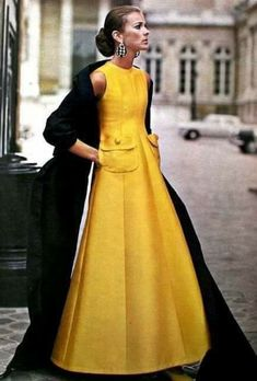 An evening look? Vogue Pattern Book April-May 1969 A fabulous, princess seamed ball gown in yellow silk by Jean Patou 1960s Fashion, Look Fashion, High Fashion, Vintage Fashion, Womens Fashion, Fashion Design, Timeless Fashion, Jeans Fashion, French Fashion