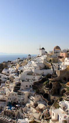Santorini has been at the top of my bucket list for years, and I was so excited to visit for the first time this year. When planning my trip to Greece, I had so many questions that I want to… Mykonos, Santorini Grecia, Greek Islands To Visit, Best Greek Islands, Greece Vacation, Greece Travel, Most Beautiful Greek Island, Greece Tours, Vacation Images
