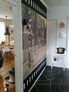 Foto van toen als behang in een huis van nu