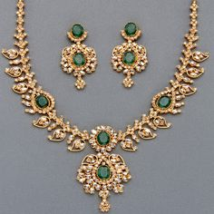 Brilliant Uncut Diamond and Emerald Necklace - Latest Indian Jewellery Designs Emerald Jewelry, Gold Jewelry, Emerald Necklace, Necklace Set, Jewlery, Diamond Necklaces, Short Necklace, Diamond Jewellery, Diamond Earrings