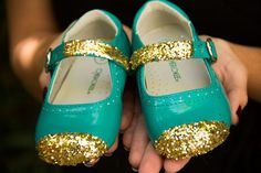 DIY Glitter Shoes - know what to do with her scuffed toe shoes