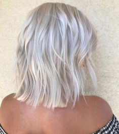 70 Devastatingly Cool Haircuts for Thin Hair - - Choppy Bright Silver Bob Cool Short Hairstyles, Haircuts For Fine Hair, Layered Haircuts, Cool Haircuts, Short Hair Styles, Hairstyles 2018, Wedding Hairstyles, Stylish Hairstyles, Retro Hairstyles