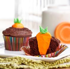 Bunnys-Carrot-Garden-Easter-Cupcakes-large.jpg