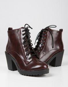 Lace-Up Contrast Boots #2020AVEXFALL