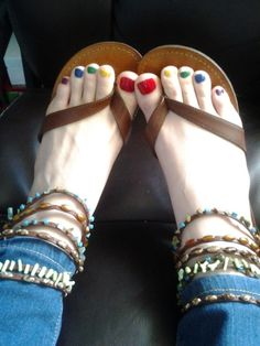 """msfeettoes: """" i can more i enjoy on your feet footjob please """""""