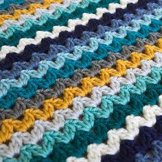 Ric Rac Blanket - Deramores Studio DK - Ocean View Yarn Pack - Inc Pattern - Knitting patterns, knitting designs, knitting for beginners. Crochet For Beginners Blanket, Quilting For Beginners, Crochet Blanket Patterns, Stitch Patterns, Crochet Blankets, Knitting Stitches, Knitting Patterns, Start Knitting, Easy Knitting