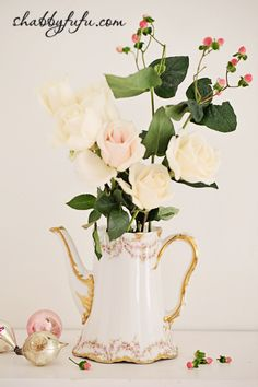 Chocolate pot for styling flowers