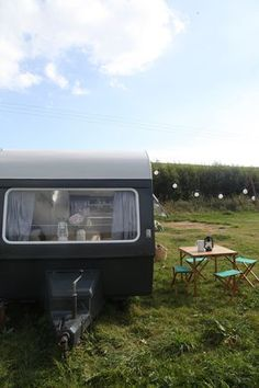 vintage caravans 404831453995695044 - So, do you remember the vintage caravan we bought about a month and a half ago? It seems like years ago! We were so excited to renovate … Source by mathieuardouin Vintage Caravan Interiors, Caravan Vintage, Vintage Campers Trailers, Vintage Caravans, Camper Trailers, Airstream Vintage, Rv Campers, Travel Trailers, Caravan Makeover