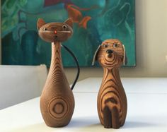 Cat and Dog figurines cryptomeria wood Mid Century Modern Wooden Bird, Wooden Toys, Wooden Animals, Cat Accessories, Wood Lathe, Danish Modern, Dremel, Wood Turning, Wood Projects
