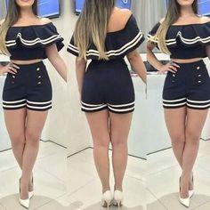 Conjuntinho Shorts e Cropped Marinheira Devine