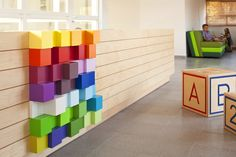 detalle zocalo wall #color #cubos #kindergarden