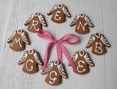A choir of personalised gingerbread angels for your little angels...