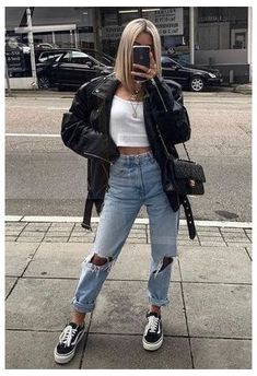 Pastel Outfit, Looks Style, Casual Looks, Cute Casual Outfits, Stylish Outfits, Simple Edgy Outfits, Cool Girl Outfits, Stylish Eve, Winter Fashion Outfits