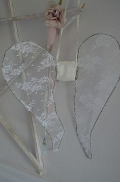 Simply me: Hi Everyone! Diy Fairy Wings, Diy Angel Wings, Diy Wings, Angel Theme, Angel Decor, Shabby Chic Crafts, Vintage Crafts, Pig Costumes, Diy Angels