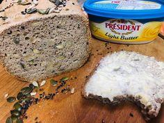 Pâine neagră cu semințe, fără gluten Fără Gluten, Banana Bread, Grains, Butter, Desserts, Recipes, Food, Tailgate Desserts, Deserts