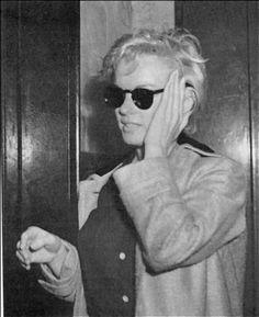 Marilyn Monroe wearing Sunglasses