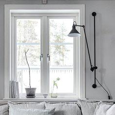 """398 gilla-markeringar, 11 kommentarer - Lena (@lenalidman85) på Instagram: """"Fått några frågor om den snygga, svarta lampan jag har på väggen. Den kommer från @frapp_se och…"""""""