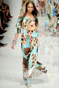 Blumarine Spring 2011 Ready-to-Wear - Collection - Gallery - Style.com