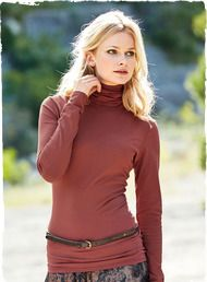 Our bestselling t-neck in pima (96%) and Lycra (4%) jersey, with a scrunchable neck and body-hugging fit.