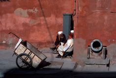 Bruno Barbey MOROCCO. Town of Essaouira. 1990. Tower of the clock cannon.
