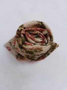 Virág hajtogatás szalvétából Decorations