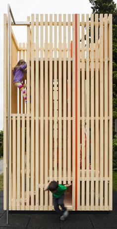 Image 3 of 9 from gallery of Children's Playhouse 'Sam + Pam' / Office of McFarlane Biggar Architects + Designers Inc.. Photograph by Latreille Delage