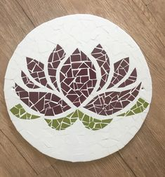 Mosaic Garden Art, Mosaic Diy, Mosaic Crafts, Mosaic Projects, Art Projects, Logo Tv, Coaster Design, Mosaic Patterns, Stained Glass