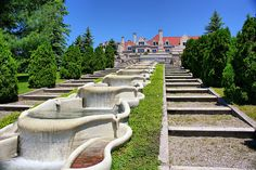 "Charles Schwab 44 room summer estate on 1,000 acres in Loretto , PA called ""Immergrün"" (German for ""evergreen""). The house featured opulent gardens. Schwab's estate sold Immergrün after his death and it is now Mount Assisi Friary on the grounds of Saint Francis University."