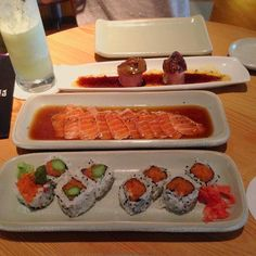 Sobre o almoço de ontem no Naga!  #Sushi #SushiRoll #SpicyTuna #SpicyTunaRoll #Tataki #Salmão #FoieGrasRoll #NagaVillageMall #RestauranteNagayama #SushiLovers #JapaneseFoodLovers #CulináriaJaponesa #AmoComidaJaponesa by ana_claudiacc