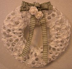 .: Valkoinen Paperipitsikranssi Grapevine Wreath, Burlap Wreath, Hobbies And Crafts, Paper Mache, Xmas, Diy Crafts, Wreaths, Search, Google