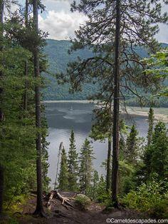 A pied au bord du fjord du Saguenay - Le sentier de la statue - Carnet d'escapades Montreal Quebec, Quebec City, O Canada, Canada Travel, Canadian French, Beautiful Vacation Spots, East Coast Usa, Ontario, Fjord