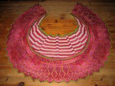 Ravelry: Jultorpets Sillsallad pattern by Kristina Karlsson Swedish Dishes, Pink Stripes, Shawls, Ravelry, Knitting Patterns, Crochet Necklace, Projects, Christmas, Inspiration