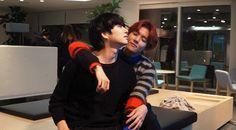 Heechul And Baekhyun Is Team Double Trouble (And Seduction?) In Photos From SM's League Of Legends Tournament Baekhyun, Exo Chanbaek, Kim Heechul, Leeteuk, Gif Kpop, Kpop Exo, Super Junior, League Of Legends, Exo Red Velvet