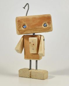 iLA the Alleybot - AlleyLux - wood projects - Holz Ideen Small Wood Projects, Diy Projects, Wood Carving Tools, Kids Wood, Wood Toys, Woodworking Crafts, Rustic Wood, Wood Art, Wood Crafts