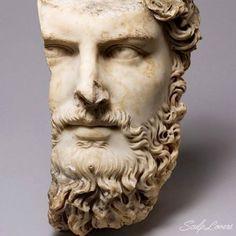 Mis queridos tarigueros hoy les traigo una selección de imágenes de algunas esculturas talladas en mármol. Algunas conocidas otra no tanto pero tod...