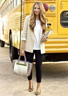 neutral t-shirt, blazer, dark blue skinny denim pants, pointed/toe loafers, structured handbag