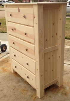 New Pallet Furniture Dresser Drawers Ideas Pallet Furniture Dresser, Diy Dresser Plans, Log Furniture, Bedroom Furniture, Furniture Design, Furniture Stores, Cheap Furniture, Cheap Rustic Decor, Cheap Bedroom Decor
