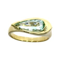 18ct yellow gold, green beryl solitaire dress ring