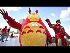 The beginning of this kills me everytime ▶ DRAGON CON 2014 - PART 1 (Epic Costume Party) - YouTube