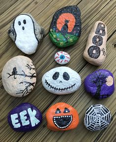 DIY Ideas Of Painted Rocks with Inspirational Picture and Words &; Onechitecture DIY Ideas Of Painted Rocks with Inspirational Picture and Words &; Onechitecture Virginia Painted rocks The theory behind the […] inspiration pictures Rock Painting Patterns, Rock Painting Ideas Easy, Rock Painting Designs, Paint Designs, Rock Painting For Kids, Art Patterns, Stone Crafts, Rock Crafts, Fall Crafts
