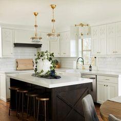 Black Kitchen Island, Gold Kitchen, Home Decor Kitchen, New Kitchen, Home Kitchens, Kitchen Design, Kitchen With Black Cabinets, Small Kitchen Islands, White Shaker Kitchen Cabinets