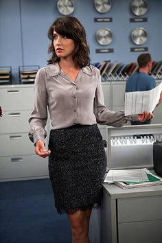 Did Robin start going to Barney Stinson's tailor (Tim Gunn)? She looks immaculate in a grey silk blouse and scalloped pencil skirt.   - MarieClaire.com