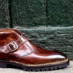 Bontoni 'Visionario' Single Buckle Antiqued Cioccolato Boot. #Bontoni #Boot #Shoes #dandy #Dapper #sprezzatura #shoemaker #Bespoke #MTO #luxury #rakish #patina #menswear #mensfashion #chocolate #leathercraft #Italian #MadeinItaly #menslook #styleforum #styleblogger #styled #inspiration #fashion