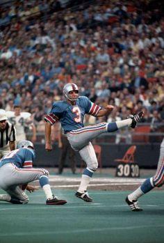 Nfl Football Helmets, Sport Football, Houston Oilers, Nfl History, Football Photos, School Football, Tough Guy, Athletes, Old School