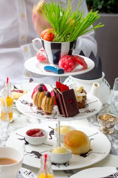 Mad Hatters Tea Party at the Sanderson Hotel – Sophie Kate Mad Hatters Afternoon Tea, Mad Hatter Tea, Fruit In Season, London Restaurants, Fresh Lime, Eclairs, Macaroons, Fine Dining, Macarons