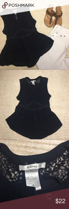 Esley Small Women's Navy Sheer Blouse Sleeveless This Navy sheer blouse is sleeveless and has plenty of subtle detail. It is perfect with a pair of white jeans or shorts. Size small. Empire waist. Esley Tops Blouses