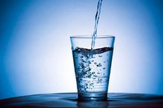 There are many different opinions on how much water we should be drinking every day. The health authorities commonly recommend eight 8-ounce glasses which equals about 2 liters or half a gallon. This is called the 8×8 rule and is very easy to remember.